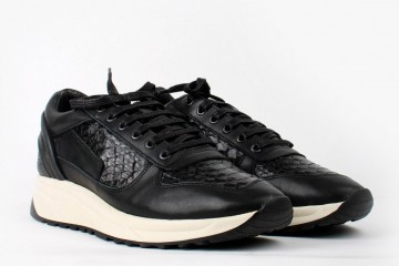 filling_pieces-runner_transformed-black_python-06