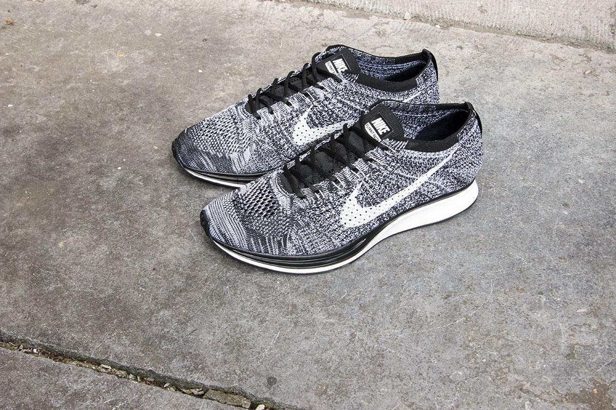 Nike Flyknit Racer Oreo Black 1