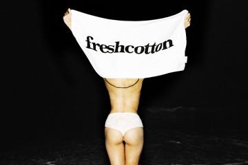 FreshCotton Kalender Juni Kwabena en Anna Ustian FreshCotton Towel6